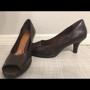 Uber comfortable Nurture genuine leather heels 👠